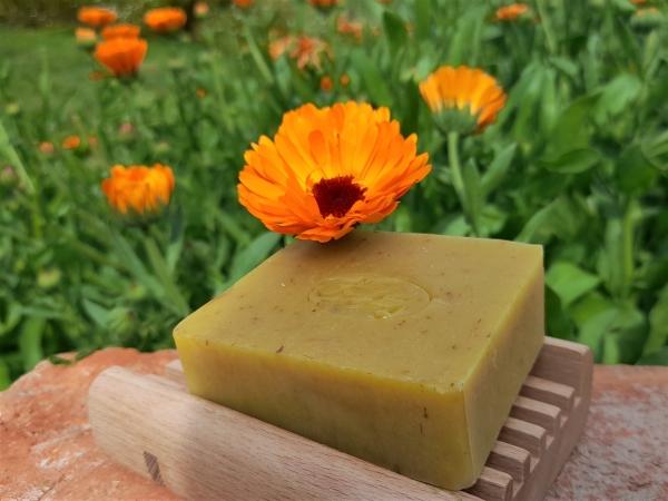 Krmešák Nechtík - prírodné bylinkové mydlo