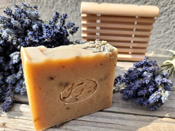 Krmešák Levanduľa so Slezom - prírodné bylinkové mydlo