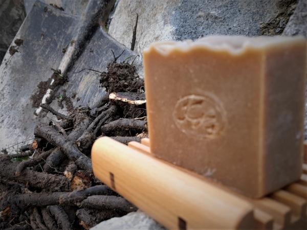 Kostihoj s Repíkom - prírodné bylinkové mydlo